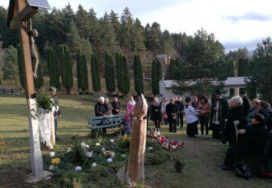 Pobožnosť na cintoríne