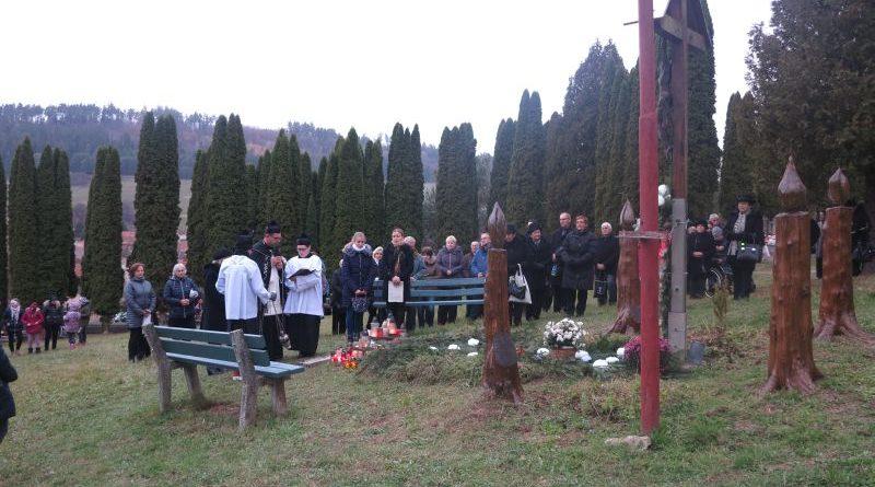 Sv. omša a pobožnosť na novom cintoríne